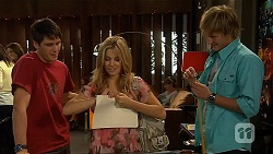 Chris Pappas, Natasha Williams, Andrew Robinson in Neighbours Episode 6415