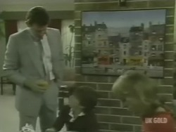 Des Clarke, Bradley Townsend, Andrea Townsend in Neighbours Episode 0239