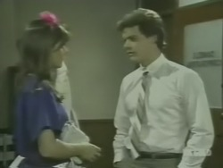 Zoe Davis, Paul Robinson in Neighbours Episode 0240