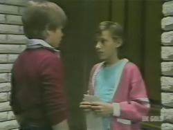Bradley Townsend, Lucy Robinson in Neighbours Episode 0241
