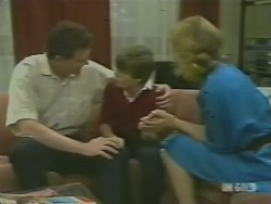 Des Clarke, Bradley Townsend, Andrea Townsend in Neighbours Episode 0242