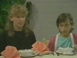 Charlene Mitchell, Lucy Robinson in Neighbours Episode 0242