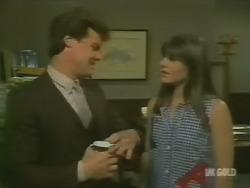 Paul Robinson, Zoe Davis in Neighbours Episode 0244