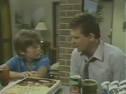 Bradley Townsend, Des Clarke in Neighbours Episode 0246