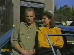 Jim Robinson, Beverly Marshall in Neighbours Episode 0736