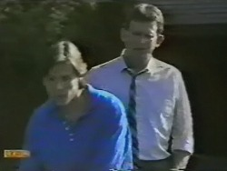 Mike Young, Des Clarke in Neighbours Episode 0737