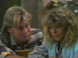 Scott Robinson, Charlene Mitchell in Neighbours Episode 0739