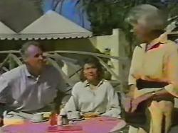 Jim Robinson, Beverly Robinson, Helen Daniels in Neighbours Episode 0740