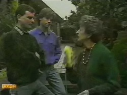 Des Clarke, Mike Young, Nell Mangel in Neighbours Episode 0748
