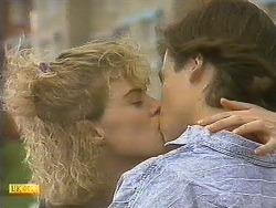 Rachel Fraser, Mike Young in Neighbours Episode 0758