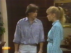 Mike Young, Jane Harris in Neighbours Episode 0759