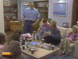 Katie Landers, Beverly Marshall, Jim Robinson, Todd Landers, Scott Robinson, Helen Daniels in Neighbours Episode 0759