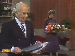 John Worthington, Nell Mangel in Neighbours Episode 0760