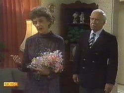 Nell Mangel, John Worthington in Neighbours Episode 0760