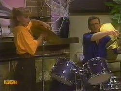 Jane Harris, Des Clarke in Neighbours Episode 0762