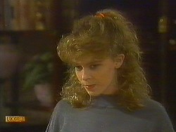 Charlene Robinson in Neighbours Episode 0762