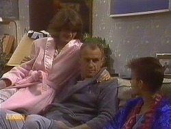 Beverly Robinson, Jim Robinson, Todd Landers in Neighbours Episode 0764