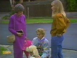 Nell Mangel, Bouncer, Bronwyn Davies, Jane Harris in Neighbours Episode 0765