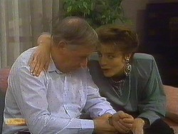 Rob Lewis, Gail Robinson in Neighbours Episode 0765