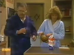 Harold Bishop, Madge Bishop in Neighbours Episode 0798