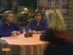 Bronwyn Davies, Mike Young, Sharon Davies in Neighbours Episode 0800