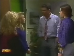 Sharon Davies, Bronwyn Davies, Des Clarke, Mike Young in Neighbours Episode 0800