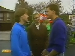 Mike Young, Penelope Porter, Des Clarke in Neighbours Episode 0800