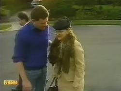 Des Clarke, Sharon Davies in Neighbours Episode 0800