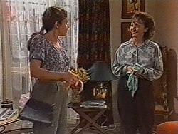 Julie Robinson, Pam Willis in Neighbours Episode 1869