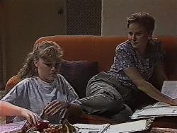 Debbie Martin, Julie Robinson in Neighbours Episode 1870