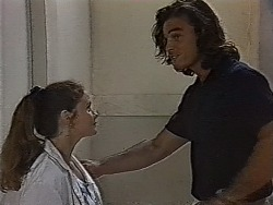 Julie Robinson, Wayne Duncan in Neighbours Episode 1870