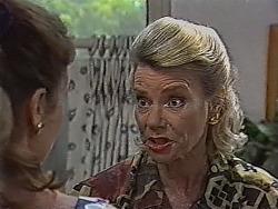 Julie Robinson, Helen Daniels in Neighbours Episode 1870