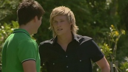 Chris Pappas, Andrew Robinson in Neighbours Episode 6333