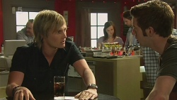 Andrew Robinson, Griffin O'Donahue in Neighbours Episode 6333