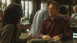 Priya Kapoor, Paul Robinson in Neighbours Episode 6333