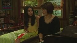 Rani Kapoor, Sophie Ramsay in Neighbours Episode 6343