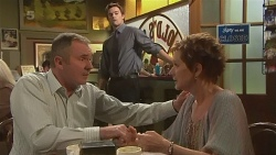 Karl Kennedy, Rhys Lawson, Susan Kennedy in Neighbours Episode 6343