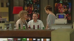 Jessica Girwood, Karl Kennedy, Susan Kennedy in Neighbours Episode 6343