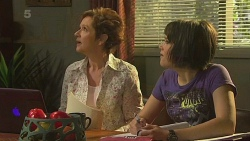 Susan Kennedy, Sophie Ramsay in Neighbours Episode 6348