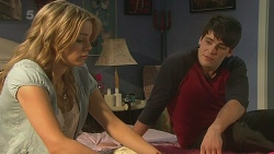 Natasha Williams, Chris Pappas in Neighbours Episode 6353