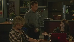 Andrew Robinson, Paul Robinson, Summer Hoyland in Neighbours Episode 6358