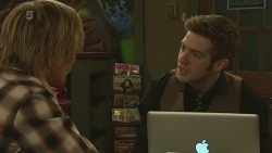 Andrew Robinson, Griffin O'Donahue in Neighbours Episode 6358