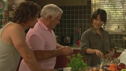 Lucas Fitzgerald, Lou Carpenter, Vanessa Villante in Neighbours Episode 6358
