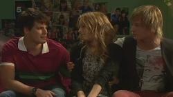 Chris Pappas, Natasha Williams, Andrew Robinson in Neighbours Episode 6363