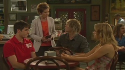 Chris Pappas, Susan Kennedy, Andrew Robinson, Natasha Williams in Neighbours Episode 6368