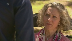 Elaine Lawson in Neighbours Episode 6373