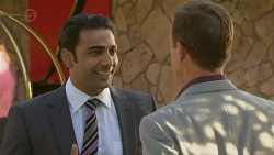 Ajay Kapoor, Paul Robinson in Neighbours Episode 6378