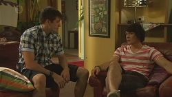 Chris Pappas, Aidan Foster in Neighbours Episode 6378