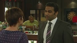Susan Kennedy, Ajay Kapoor in Neighbours Episode 6378