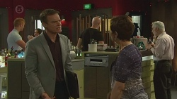 Paul Robinson, Susan Kennedy in Neighbours Episode 6378
